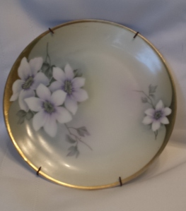 Clematis Plate - White